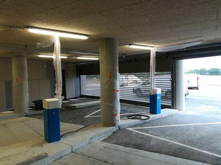 Barrière LBA 63 PK avec lisse articulée dans un parking sous-terrain - Vue 4